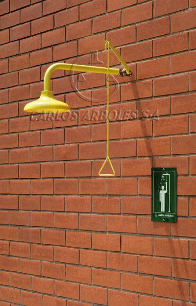 Seinä-asennus